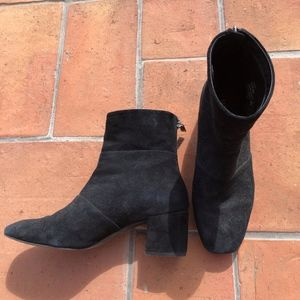 Kenneth Cole Black 'Eryc' Suede Ankle Boot